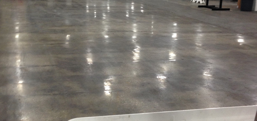 Air Pallets Manufacturers Use Polished Concrete Factory Floors